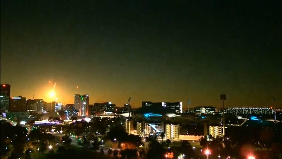 Video: Meteorit beleuchtet Adelaide