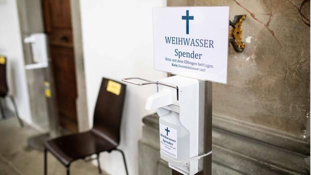 Nachrichten aus Deutschland – Kirche führt kontaktlosen Weihwasser-Spender ein