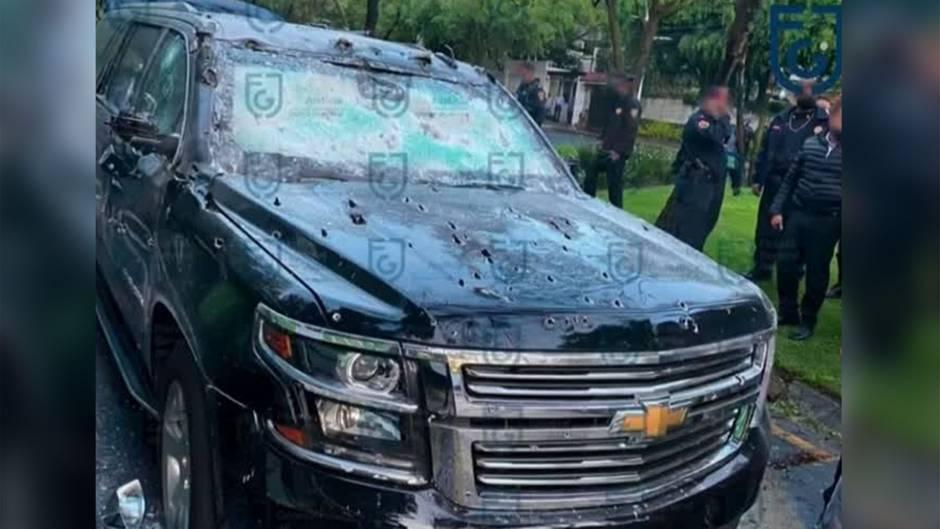 Drogenbande in Verdacht: Von Kugeln durchsiebtes Fahrzeug: Attentat auf Polizeichef von Mexiko-Stadt