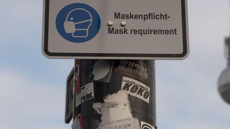 Ein Hinweis auf die Maskenpflicht