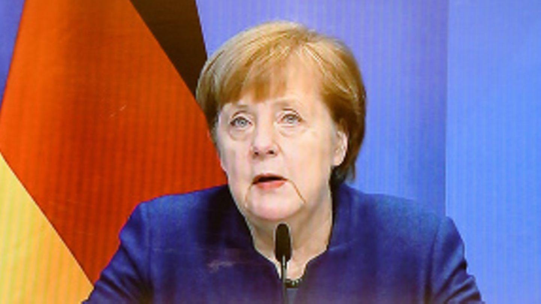 """""""Wütend und traurig"""": Merkel macht Trump für Ausschreitungen am Kapitol verantwortlich"""