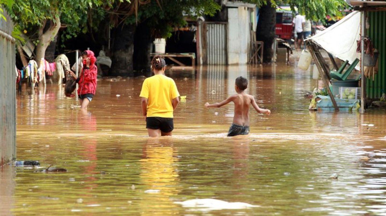 Sturzfluten in Indonesien