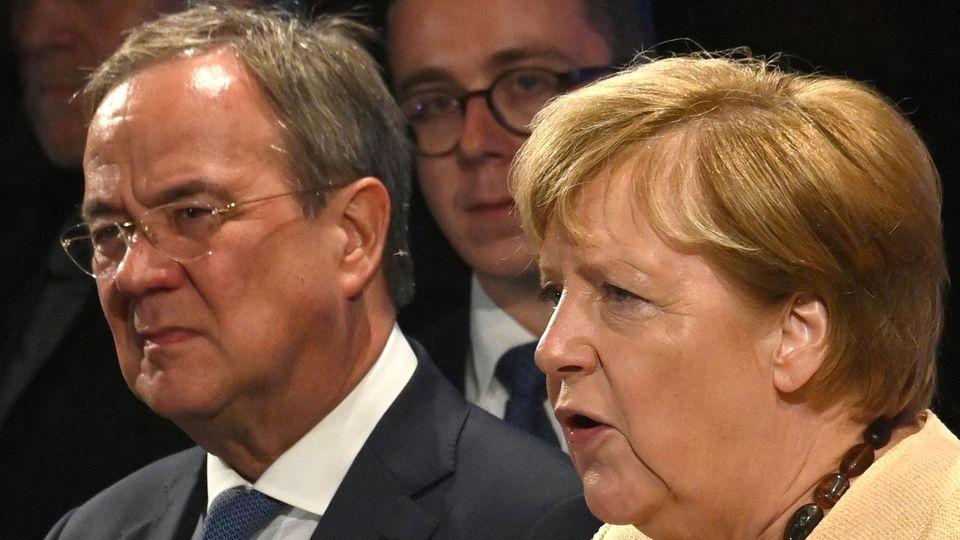 Wahlkampf zur Bundestagswahl: Angela Merkel und Armin Laschet in Stralsund ausgebuht
